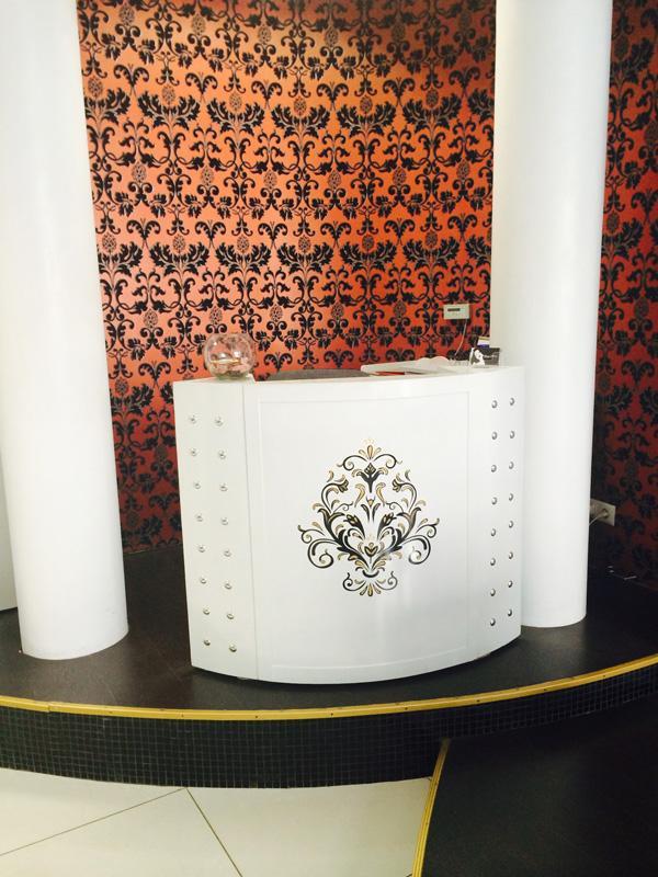 Вы просматриваете изображения у материала: Белая Зависть - салон красоты