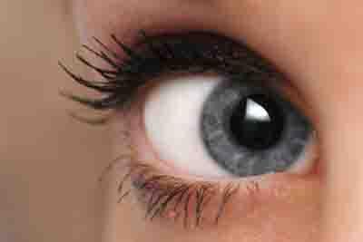 как правильно подобрать макияж для голубых глаз